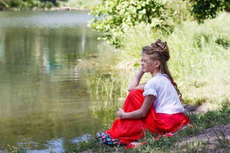 Nueva Acrópolis - Hannia, la niña del lago